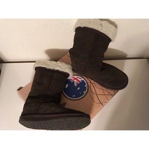 EMU Bronte Hi suede boot